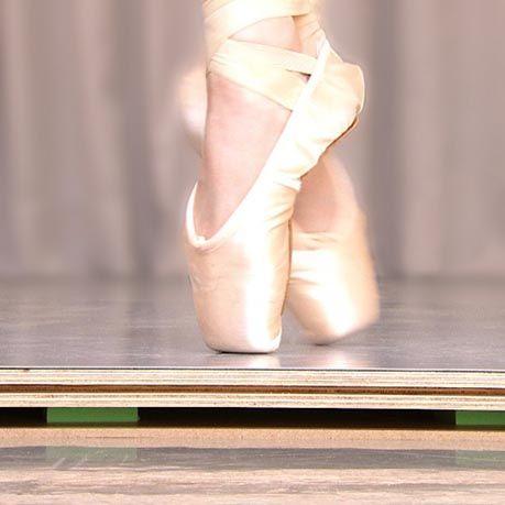 Tarima de danza Manero classic